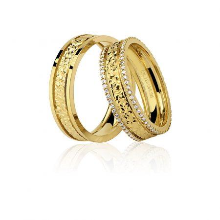 Par Alianças Trabalhada Ouro Amarelo 18K 2 Filas de Diamantes