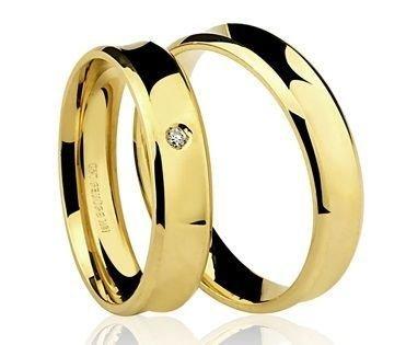 Par de Alianças anatômicas em ouro amarelo 18K-750 com 1 Diamante de 2pts - Cod.77-0210-2-002
