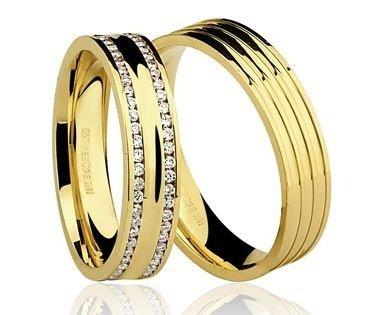 Par de Alianças anatômicas em ouro amarelo 18K-750 com 102 Diamantes com 72pts - Cod.77-0219-2-077