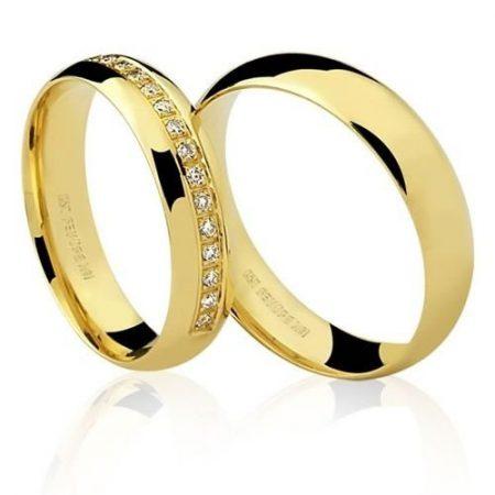 Par de Alianças anatômicas em ouro amarelo 18K-750 com 18 Diamantes com 16pts - Cod.77-0307-2-016
